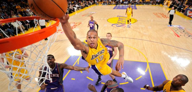 Former NBA player Shannon Brown accused of shooting at two people