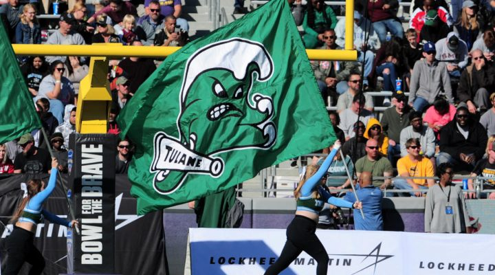 Tulane DB dismissed from team, charged with battery after allegedly punching girl at Waffle House